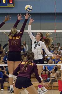 Women's volleyball sweeps Arizona teams in straight sets ...