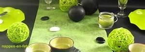Nappe Noire Papier : nappes en f te d co table nappe papier nappe papier noir d co de table vert et noir ~ Teatrodelosmanantiales.com Idées de Décoration
