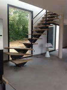 Escalier Pas Décalé 1 4 Tournant by Les 25 Meilleures Id 233 Es Concernant Escalier Quart Tournant