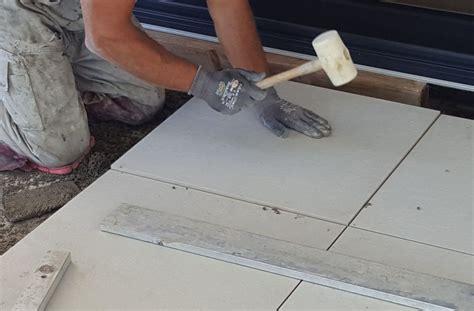 terrassenplatten in trenagebeton verlegen wie werden terrassenplatten richtig verlegt profi tips