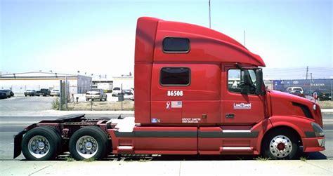 volvo big file volvo bobtail semi truck landspan jpg wikimedia