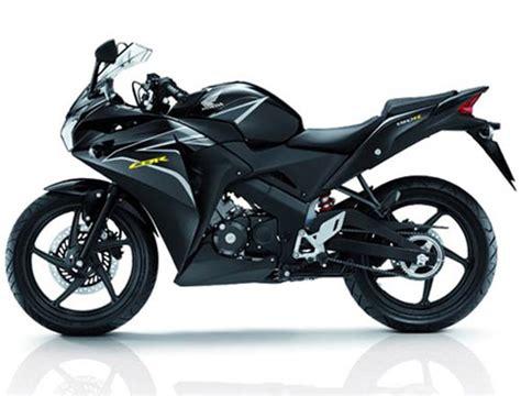 cbr honda bike 150cc in pics pulsar 200ns takes on ktm and honda cbr rediff