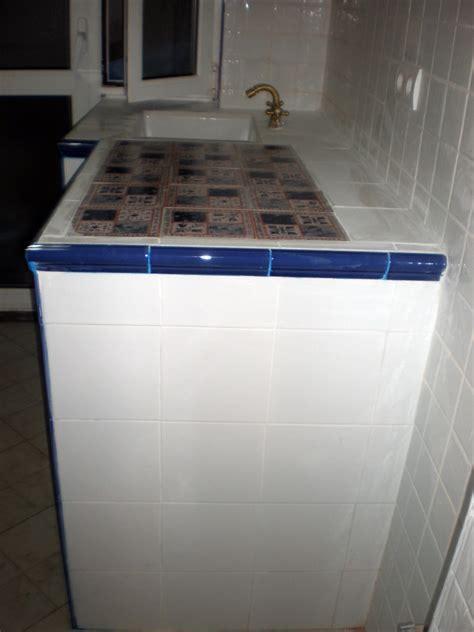 foto meseta de cocina  azulejos ruesticos de corema