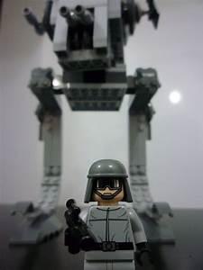 Brick Peek: 7657 – Star Wars – AT-ST