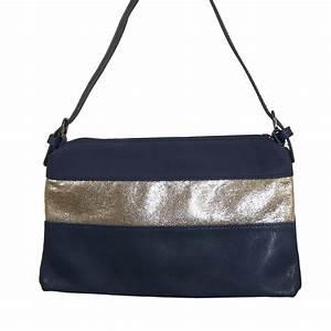 Pochette Femme Bleu Marine : pochette de soir e bleue simili cuir avec bande paillettes ~ Teatrodelosmanantiales.com Idées de Décoration