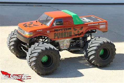 monster trucks racing videos monster truck madness 25 prepared to race big squid
