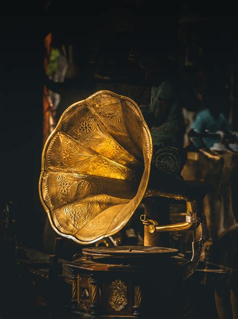 phonograph record pictures   images  unsplash