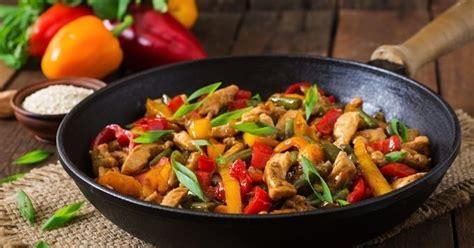 cuisiner au wok ectrique 10 conseils pour cuisiner au wok cuisine az