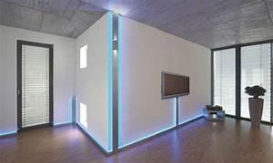 Kabel Verstecken Wand : so verstecken sie kabel im wohnzimmer 5 tipps pc magazin ~ Frokenaadalensverden.com Haus und Dekorationen