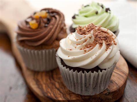 Cupcake Baking Tips  Food Network  Easy Baking Tips and