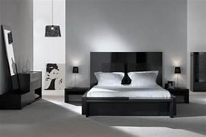 Modele Deco Chambre : deco chambre a coucher blanc ~ Teatrodelosmanantiales.com Idées de Décoration