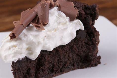 dessert chocolat blanc et noir noir et blanc g 226 teau au chocolat gla 231 age 224 la guimauve recettes desserts
