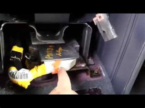 airbag deployment 2010 kia rio transmission control kia recalls 146 000 optimas and rondos for driver s air bag flaw worldnews com