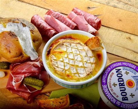 cuisine chasse sur rhone fondue camembert photo de restaurant la pataterie chasse sur rhone chasse sur rhône tripadvisor
