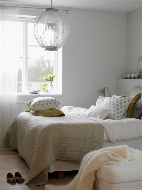 decorating tricks   bedroom real simple