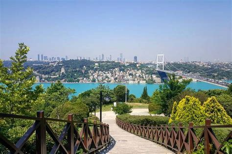 instagram friendly spots  istanbul radisson blu