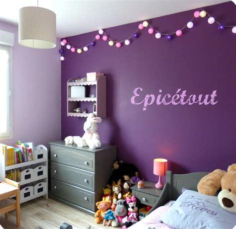 luminaire chambre bebe fille décoration chambre fille mauve