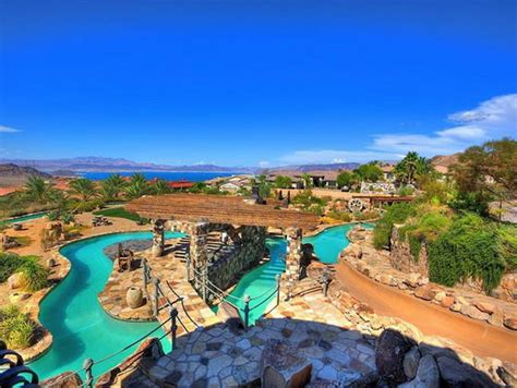 Backyard Water Park by Spectacular Mansion With Its Own Backyard Water Park