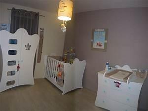 decoration d39une chambre de bebe king blanche par chloe With couleur pour bebe garcon 18 deco jardin artificiel