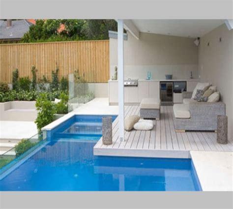 desain kolam renang  rumah minimalis kontraktor