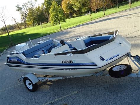 1985 Chris Craft Deck Boat by Chris Craft Viking Sport Deck 170 Sc 1983 For Sale For 1