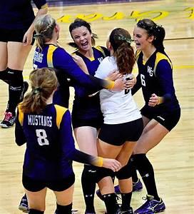 Photo: Mustangs celebrate big volleyball win ...