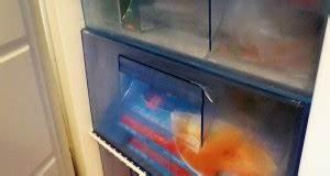 Geruch Im Kühlschrank Was Tun : den k hlschrank abtauen einfach gemacht warum wann und wie ~ Bigdaddyawards.com Haus und Dekorationen