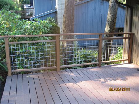 Do it yourself deck railing is done!   Hamster Dreams