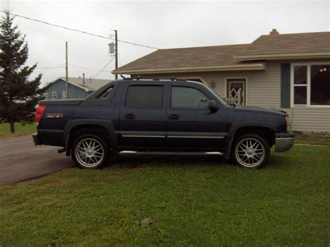 Chevrolet Avalanche 2004 by 2004 Chevrolet Avalanche Vin Number Search Autodetective