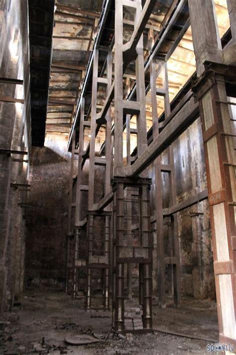 Liepāja- Bijusī linoleja,korķa fabrika - Spoki - bildes 3