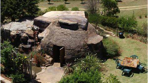 Money Squatting Guarantee All Hosting Services Inkunzi Cave And Zulu Hut In Drakensberg Most Price