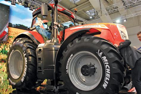 New X8 tractors from McCormick - Grainews