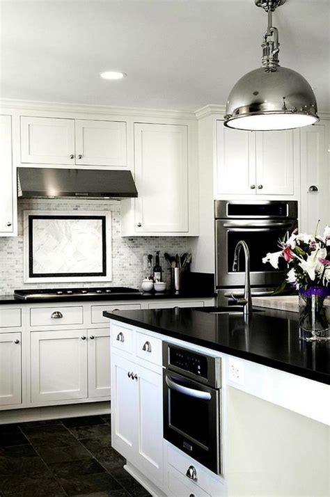 cuisine en noir et blanc cuisine noir et blanc une déco élégante et intemporelle