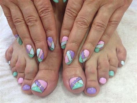 Модный педикюр 90 фото красивых сочетаний и оригинальных вариантов оформления ногтей