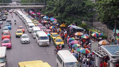 Low-priced shopping while traveling – the Chatuchak Market ...