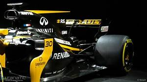 F1 Renault 2017 : pictures renault 39 s new f1 car for 2017 breaks cover f1 fanatic ~ Maxctalentgroup.com Avis de Voitures