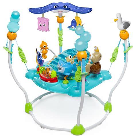 table d activité bébé avec siege table d 39 activités jumperoo nemo de disney baby