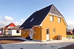 Fassade Streichen Welche Farbe : fassadengestaltung einfamilienhaus grau orange haus deko ideen ~ Markanthonyermac.com Haus und Dekorationen