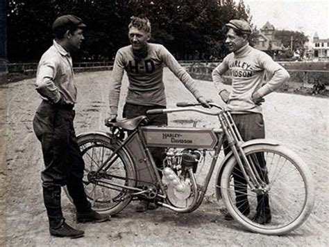 1910 Harley Davidson With Race Team Members