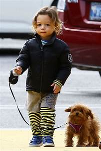 Gwen Stefani steps out with her boys Zuma and Apollo ...