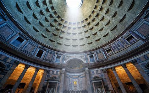 interno roma il pantheon di roma