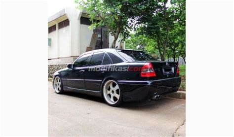 Modifikasi Mercedes V Class by Mercedes C200 Elegance A T W202 Hitam
