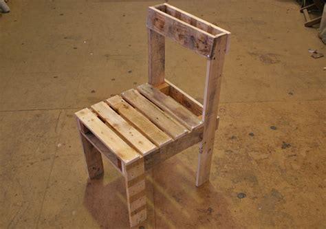 plan chaise de jardin en palette diy un salon de jardin en bois de palette initiales