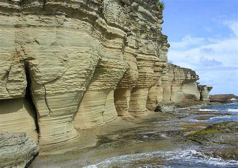 st johns pillars  hercules antigua barbuda