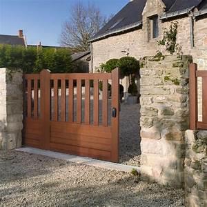 choix d39un portail en bois conseils et prix habitatpresto With bois pour portail exterieur
