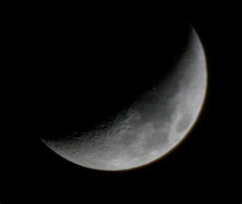 quelle est la distance entre la lune et le soleil le