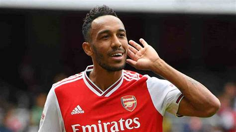Pierre-Emerick Aubameyang Bio, Facts, Childhood, Career ...