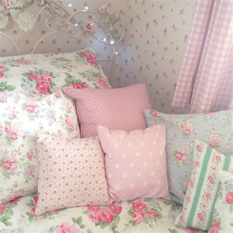 pink bedroom cushions bedroom decorate pillows pink room imageby marine on designs 12835 | bed bedroom cute decor design flowers girly interior kawaii bedroom pink bed pillows bedroom designs