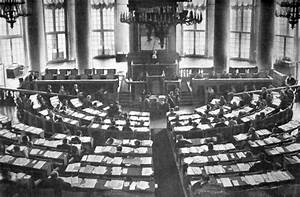 File:Зал заседаний государственной думы 1906-1917.jpg ...