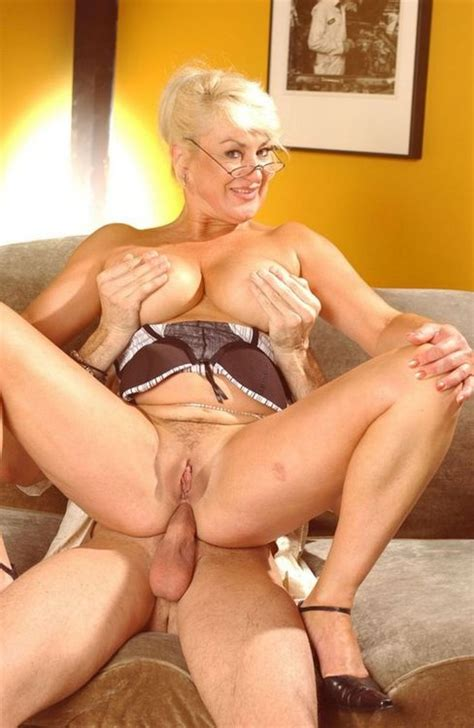 Busty Mature Milf Anal Sex Hard Porn Pictures